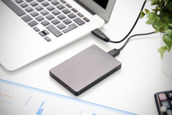 Cabo USB rouba senhas e dados remotamente e transmite por wireless